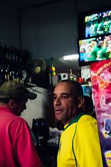 Itaquauqecetuba, SP (Victor Spinelli dos Santos) Tags: br bardoamilca brasil copadomundo copadomundo2014 fotografiaderua itaquaquecetuba rua rue sp bairro futebol gens gente people torcida streetphotography street 2014 strret decoração