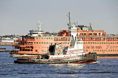 r_180524448_beat0044_a (Mitch Waxman) Tags: newyorkcity statenislandferry tugboat newyork