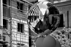 Al Portal de l'Àngel (jaume zamorano) Tags: balloon barcelona blackandwhite blancoynegro blackwhite blackandwhitephotography blackandwhitephoto bw catalunya d5500 m monochrome monocromo nikon noiretblanc nikonistas pov street streetphotography streetphotoblackandwhite streetphotograph urban urbana reflection