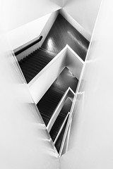 ROM Staircase #13 (Michael Muraz) Tags: 2017 bw blackwhite canada northamerica on ontario rom royalontariomuseum studiolibeskind toronto world architecture building monochrome museum spiral stair staircase