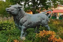 Brookfield Zoo (Tiger_Jack) Tags: brookfieldzoo zoo zoos statue statues itsazoooutthere zoosofnorthamerica