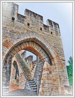 L'escalier après l'arche