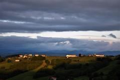 Amanece en Tineo - Asturias (enrique1959 -) Tags: martesdenubes martes nubes nwn tineo asturias españa europa saariysqualitypictures