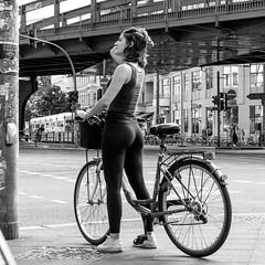 nocti vagus (every pixel counts) Tags: 2018 berlin prenzlauerberg street people bicycle city everypixelcounts blackandwhite square girl woman fahrrad waiting blackwhite 11 eu europa germany berlinalive bw bridge trafficlight day
