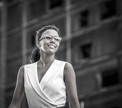 Souriez (maoby) Tags: rouge souriez elle she street rue city ville gx7 75mm