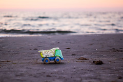 Big small car. Lonely and forgotten. ([-ChristiaN-]) Tags: beach car toy sea waste plastic broken kaputt plastikmüll helios zenith strand zenit