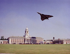 vulcan_cranwell.gif (h3pat1c) Tags: planes trains cars automobiles bikes
