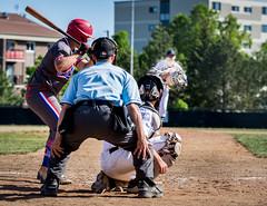 Mitte enpoussièrée (Patrick Boily) Tags: baseball lanceur frappeur pitcher hitter ball quebec charlesbourg alouette club equipe match partie