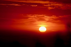zonsondergang Vico Equense, Italia (Art's Corner) Tags: absolutely verblindend italia holiday ferias vermelho reizen summer view day colors sun fimdodia sol uitzicht zee italie warmte gloed geel rood zon