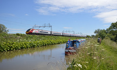 Passing the Oxford Canal, Ansty (lcfcian1) Tags: railway rails track trains ansty warwickshire oxford canal water waterway river sun sunshine outdoor railroad tracks oxfordcanal anstycanal passingtheoxfordcanal virgintrains