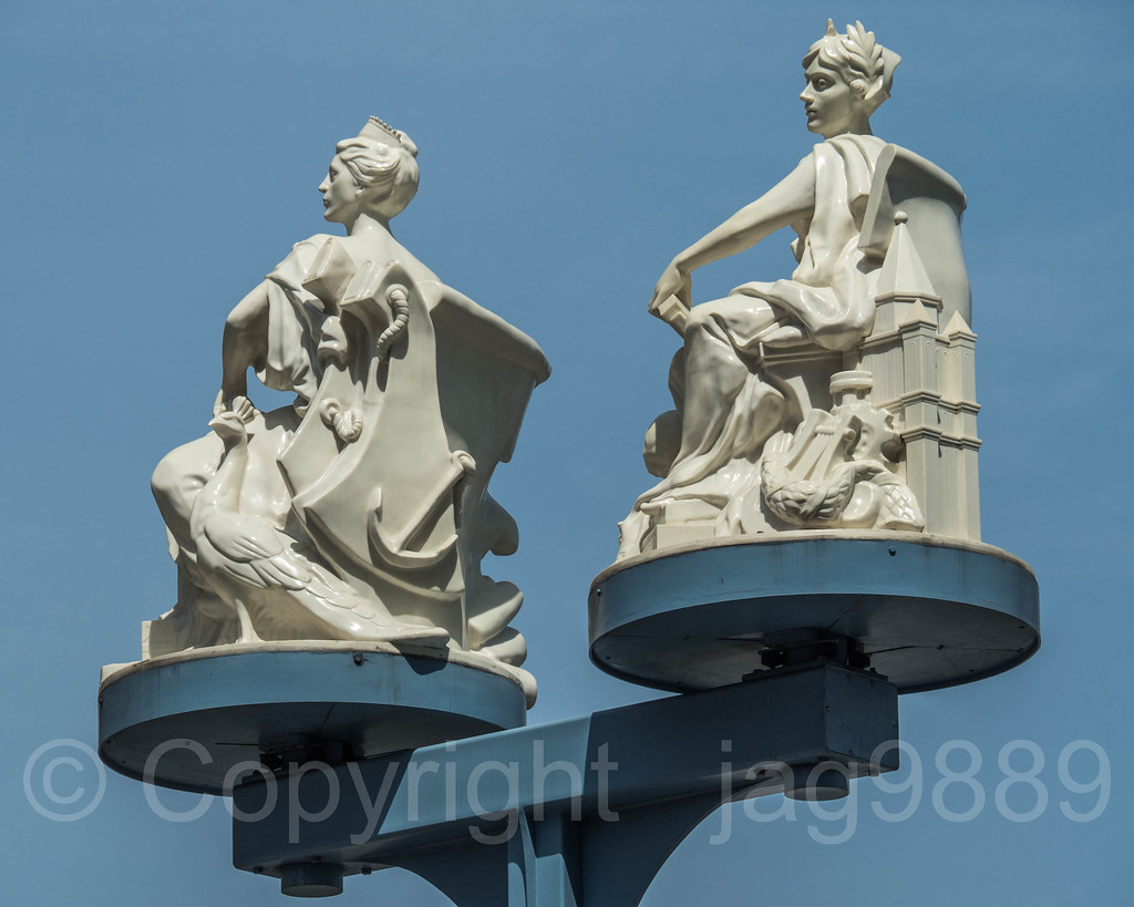 dd733d0964b Miss Brooklyn and Miss Manhattan Rotating Statues (2016) by Brian Tolle,  Brooklyn Entrance