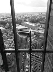 Aussicht Kollhofftower Berlin (Jenke-PhotozZ) Tags: berlin berlin365 berlinstyle visitberlin view panorama panoramapunkt ausblick aussicht kollhofftower potsdamerplatz hauptstadt city perspective gitter motive monochrome nocolor