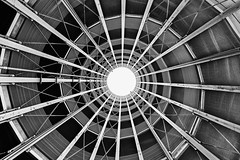 Helix (Leipzig_trifft_Wien) Tags: wien österreich at architecture black white bnw blackandwhite noiretblanc grey circle geometry symmetry urban city steelstructure structure