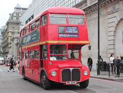 Go Ahead London General . RML2604 NML604E . Buckingham Palace Road , Victoria , London . Friday 25th-May-2018 . (AndrewHA's) Tags: victoria london bus goahead londongeneral commercial route 811 chelsea flower show non tfl aec routemaster park royal rml 2604 nml604e