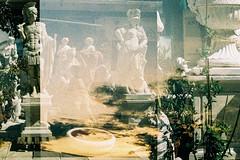 El Rastro de Madrid (no.sad.tomorrow) Tags: rastro madrid cultura culture art arte antique antiques españa spain madridcomunidad analogphotography analog pentax asahi spotmatic sp filmphotography film lomography