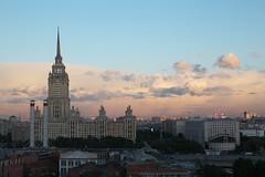 IMG_0711 (Mike Pechyonkin) Tags: 2018 moscow москва sky небо cloud облако house дом chimney труба roof крыша sunset закат hotel гостиница ukraine украина radisson рэдиссон royal ройал blu