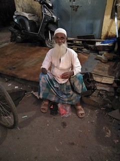 Iftar Time JJ Colony Bandra  Beggars breaking fast
