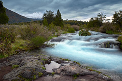 Rio Trufultruful  - Parq. Nac. Conguillio (Norpatagonia Chile) (Noelegroj (Celebrating 9 Millions+views!)) Tags: chile araucania norpatagonia melipeuco river rio trufultruful rapids rapidos congullio nationalpark parquenacional arroyo creek waterfall cascada stream agua water otoño autumn forest woods bosque colorfull colorido paisaje landscape nature naturaleza multicolor policromatico arboles trees grass pastos yellow orange red amarillo naranja rojo cielo sky pink magenta purpura purple otono fall newseason unesco