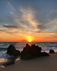 Beach Rocks Sunset (Marc Sayce) Tags: rocks splash coast sunset playa beach calas roche conil frontera costa luz andalucía andalusia spain may 2018