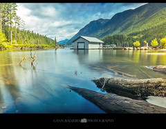 Calm morning at Buntzen Lake near vancouver, BC, Canada (Ann Badjura Photography) Tags: buntzenlake anmore portmoody vancouver britishcolumbia canada ctvphotos 604now miss604 colourfulvancouver insidevancouver vancitybuzz photonewsgallery 24hrvancouver lake longexposure beautifulbc boathouse mountains scenery landscape annbadjura photography pnw pacificnorthwest georgiastraight