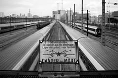 Danger (Yoann Gauthier) Tags: 100d france paris ivry train railway electric wire