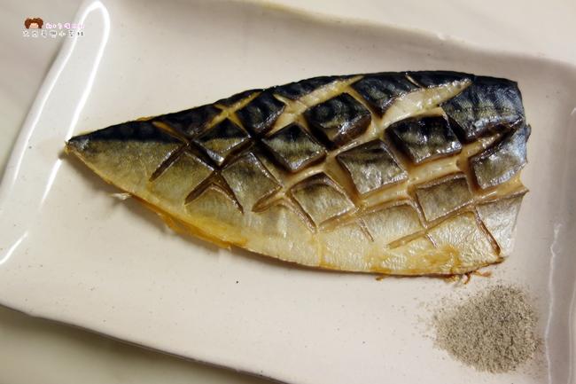 日出碼頭 鯖魚 鮭魚 比目魚 新竹海產 (13).JPG