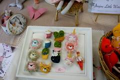 Joujou Little World (shorleckin) Tags: poupée doll peluche plush brodery broderie sewing salon convention