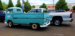 Old and New (creepingvinesimages) Tags: htt vw pickup outside parkinglot samsung pse14 topsx
