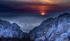 Sunset : phare de Punta Carena - Capri, Italie (NICOLAS BELLO) Tags: beach ciel clouds paysage colors luminosity nature lumiere mer soleil italie night sun phrare luminosite sony cloud landscape amazing sea coucherdesoleil stones sunset italia beautiful beaches light stone sky capri