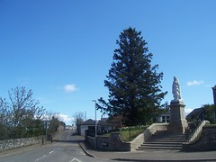 Halkirk War Memorial, Halkirk, Caithness, May 2018 (allanmaciver) Tags: halkrk war memorial caithness sutherland central woman mourning kilted child trees road route steps remember service world great 1914 1919 1939 1945 bible allanmaciver