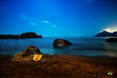 PLAYA DALILIANA (Fran Ramos.) Tags: naturaleza nocturnas noche nubes playa portman light painting paisaje españa esferas franramos frascoramos fran fuji xt1
