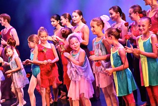 🌈 After Sunday's Matinee Performance - Happy Rose 🌹Recipients Onstage