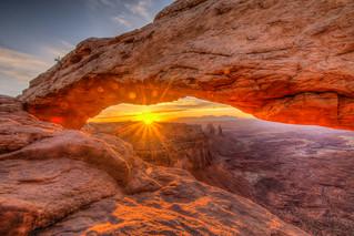 Sunrise at Mesa Arch