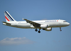 F-HBNI, Airbus A320-214, c/n 4820, AF-AFR-Airfrans-Air France, ORY/LFPO 2018-05-11, short finals to runway 06/24. (alaindurandpatrick) Tags: fhbni cn4820 a320 a320200 airbus airbusa320 airbusa320200 minibus jetliners airliners af afr airfrans airfrance airlines ory lfpo parisorly airports aviationphotography