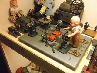 Clockwork Workshop Toy (1)