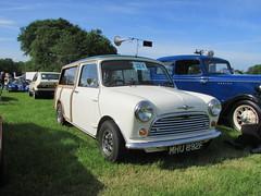 Morris Mini Traveller MHU892F (Andrew 2.8i) Tags: classicsatscolton scoltonmanor haverfordwest pembrokeshire car cars classic classics show austin british bmc estate wagon traveller mini morris