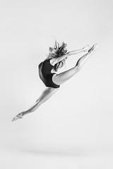 La Danza - Laury (jmsoler) Tags: ballet bn portrait danza dance 2017 nikkor2470mmf28 españa bailarina mujer gente blancoynegro girl woman jmsoler bowensgemini500r laury zaragozaç retrato bw blackandwhite ballerina bowens nikond800 estudio