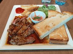 Beef Steak with Toast (:Dex) Tags: beef steak toast bread salad hoshinocoffee food yummy penang