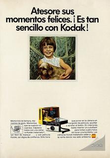 1970 Ad, Kodak Instamatic Camera, Young Girl & Puppy (lengua española revista)