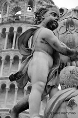 Angels at the foot of Pisa Tower (piero.mammino) Tags: pisa torre tower pendente angeli angels mammino piero bianconero monocromo campane bells campanile toscana italia italy