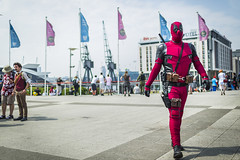 20180608_F0001: Deadpool arriving (wfxue) Tags: deadpool marvel scifi fictional character people candid portrait mcmcomiccon londoncomiccon cosplay costume event