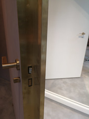 2018-06-FL-191940 (acme london) Tags: bondstreet botique brassdoor doorhandle interiordesign london retail shop stellamccarney