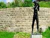 Souviens-toi (gingerwildcat (damien pcn)) Tags: souvenir musée résistance déportation besançon citadelle statue mémoire memory doubs