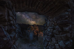 Knockin' on Heaven's Door (Javiralv) Tags: castle stars milkyway extremadura spain caceres villuercas night españa stone cabañas del castillo