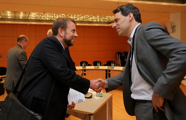Paul Davies greets Olaf Merk