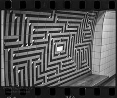 The Orginal Maze (The Gadget Photographer) Tags: analogue ae1 hc110solutionbfromstock6min20ckodak iso400 ilfordrapidfixer trix canon blackandwhite film tobyhetherington©2018 london england unitedkingdom gb