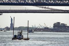 r_180524295_beat0044_a (Mitch Waxman) Tags: eastrivershoreline newyorkcity tugboat newyork
