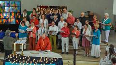 Nieuwe gezichten bij de Ten Bos Gospelsingers. (KerKembodegem) Tags: liturgy erembodegem jesuschrist pinksteren eucharistieviering kerkembodegem song gospelsingers christianity eucharist geloofsbelijdenis jesus gospel lied kerklied bijbel liturgischeliederen churchsongs jezus tenbosgospelsingers 4ingen bible geest liederen gezinsvieringen tafelgebed tenbos eucharistie 2018 vuur gebeden gezangen glasraam liturgie gospels vlam gezinsviering gezang liturgischlied zondagsviering god songs