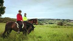 A pesar de la lluvia disfrutamos de un buen paseo! Gracias por la visita,ruta de dos horas por Xuncu. #cuadraelalisal #caballosasturias #caballos #horses #horseslovers #rutasacaballo #ribadesella #Asturias
