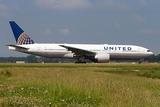 N69020, Boeing 777-224ER, United Airlines